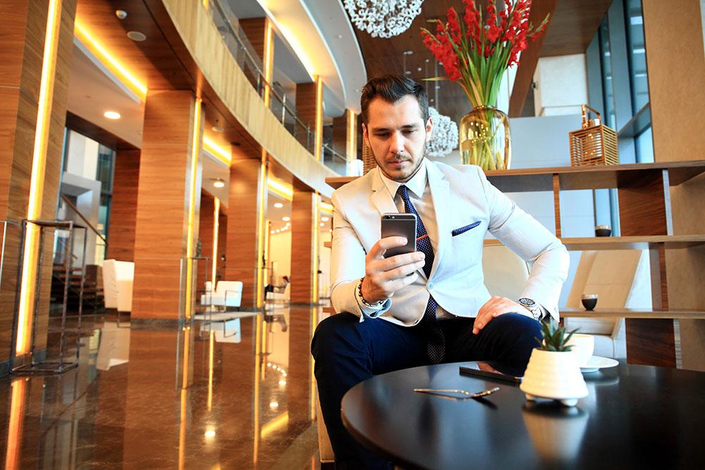 Maestro PMS - Mobile Guest Engagement Solution
